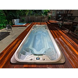 JACUZZI SWIM SPA POWER-PRO 19' PARTIAL-IN-GRADE Jacuzzi Swim Spa Jacuzzi