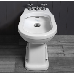 Single hole bidet with rim supply pre-punched for three tap holes.   Simas Londra