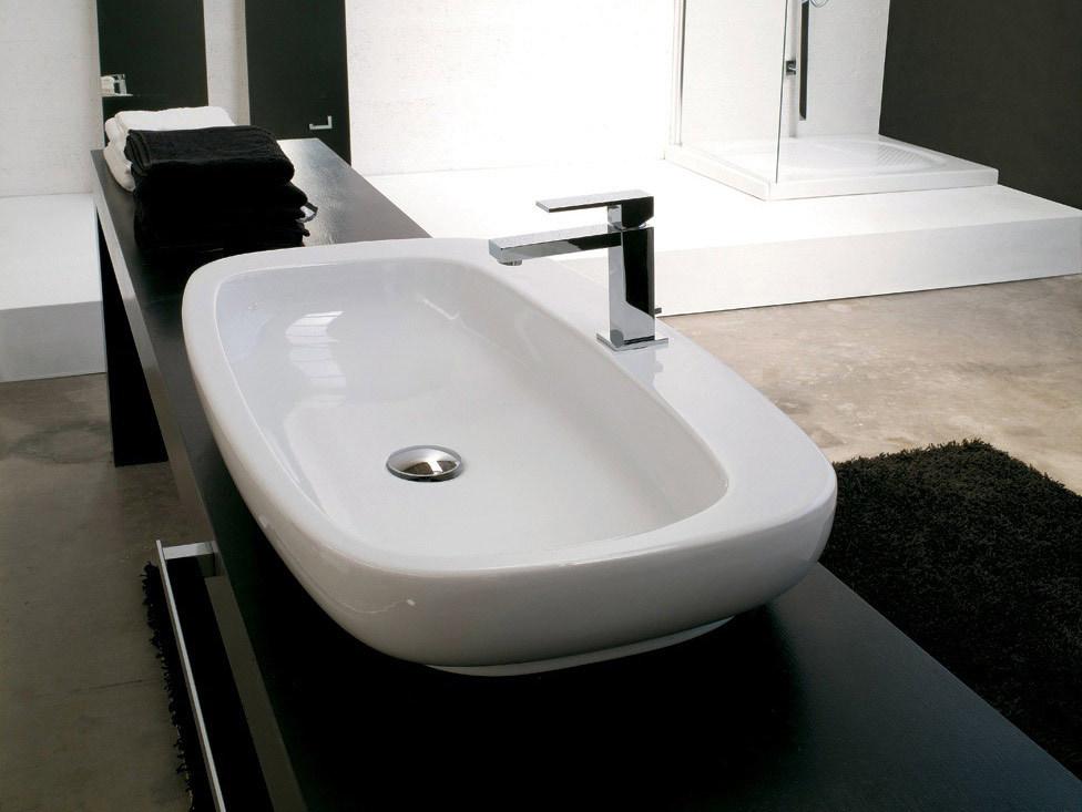 Lavabo con toallero serie memory de agape gunnitrentino